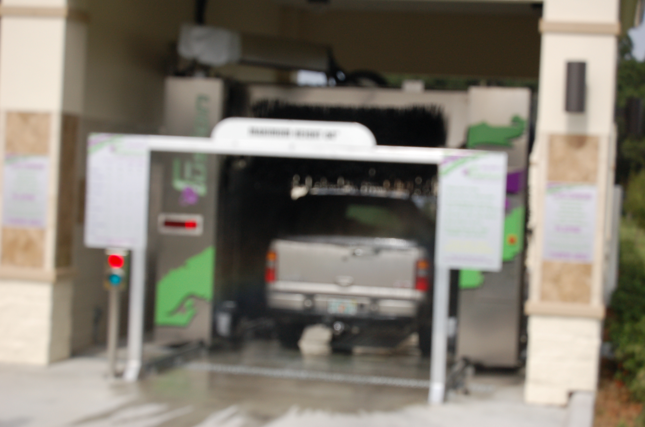 Ultimate car wash let us us be your ultimate car wash automatic bays service 1 2 automatic car wash bays solutioingenieria Choice Image
